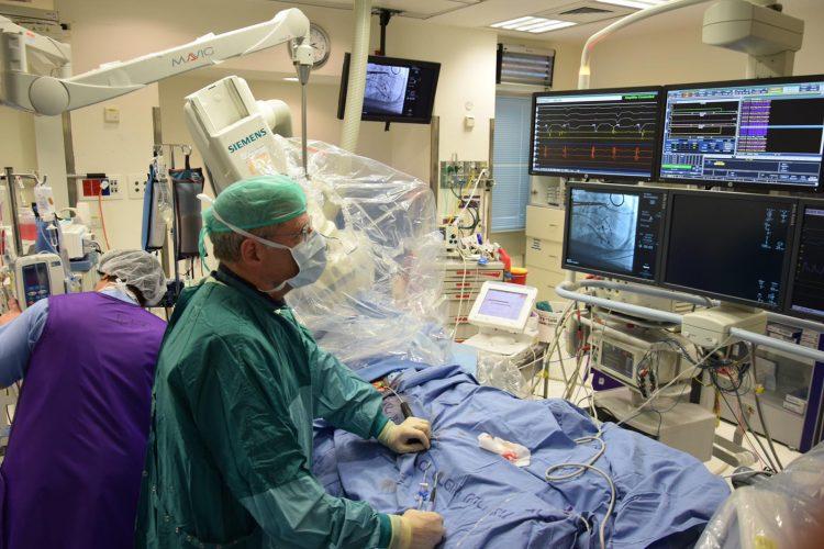 ניתוח לב (צילום: דוברות שערי צדק)