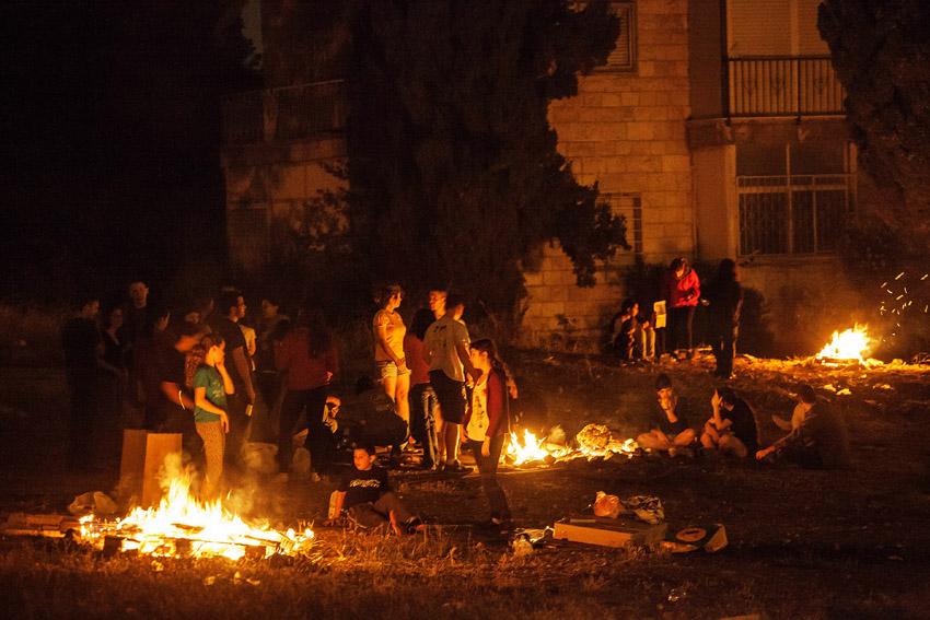 """מדורות ל""""ג בעומר בירושלים (צילום: אמיל סלמן)"""