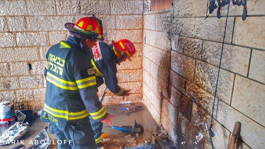 """השריפה בצינור גז ראשי בפסגת זאב – הכבאים השתלטו על האש: """"נמנע נזק כבד"""""""