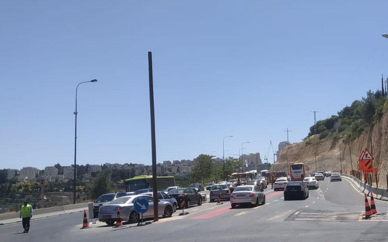 הפקקים בצומת סחרוב בכניסה לירושלים, הבוקר (צילום: שלומי הלר)