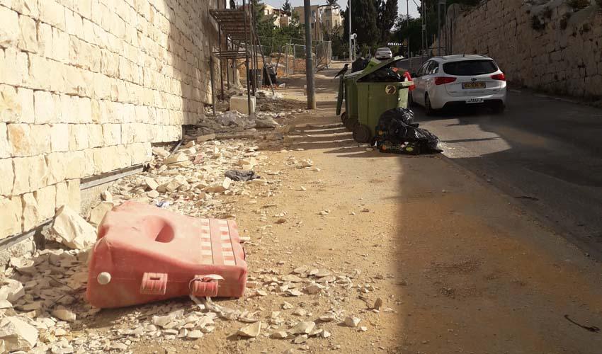 פסולת בניין (צילום: איתי פישהנדלר)