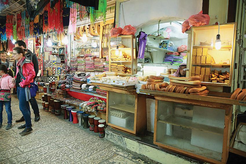 השוק בעיר העתיקה (צילום: ארנון בוסאני)