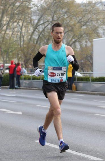 איתן גפני, חצי מרתון וינה 2019 (צילום: פרטי)
