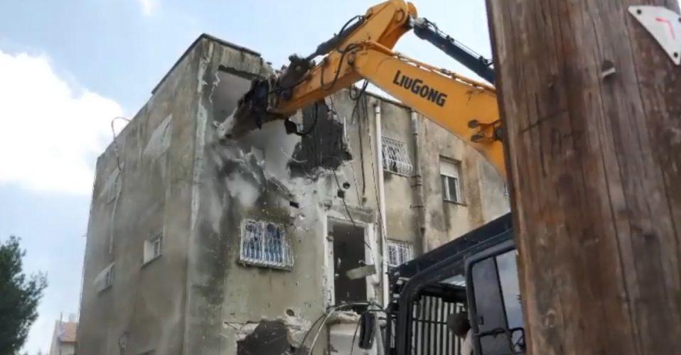 """הריסת הבניינים ברחוב טהון (צילום: באדיבות קדמת היובל וקרסו נדל""""ן)"""