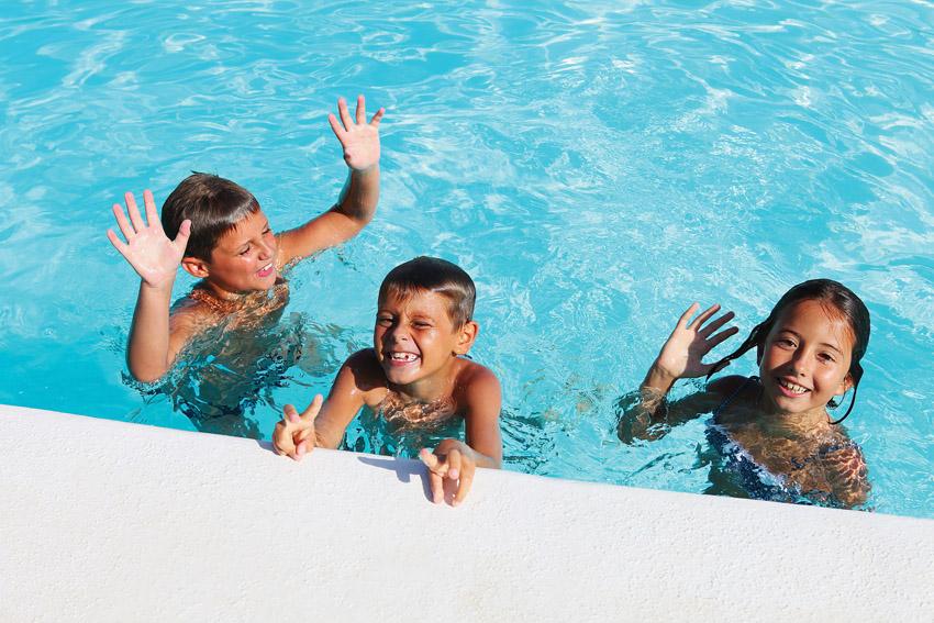 ילדים בבריכה (צילום אילוסטרציה: א.ס.א.פ קריאייטיב/INGIMAGE)