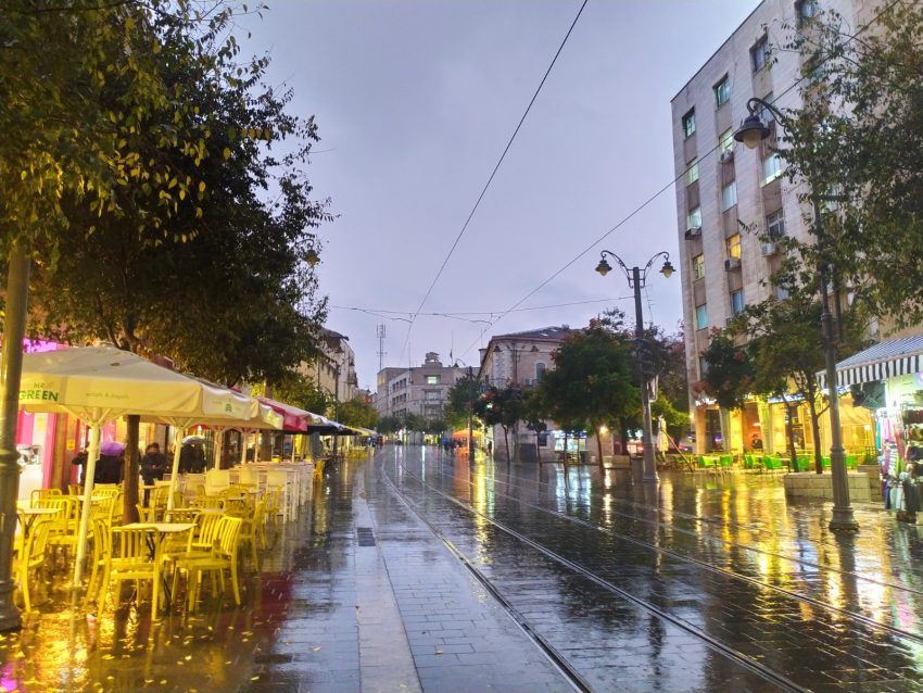גשם, חורף, בירושלים, מרכז העיר, רחוב יפו (צילום: שלומי הלר)