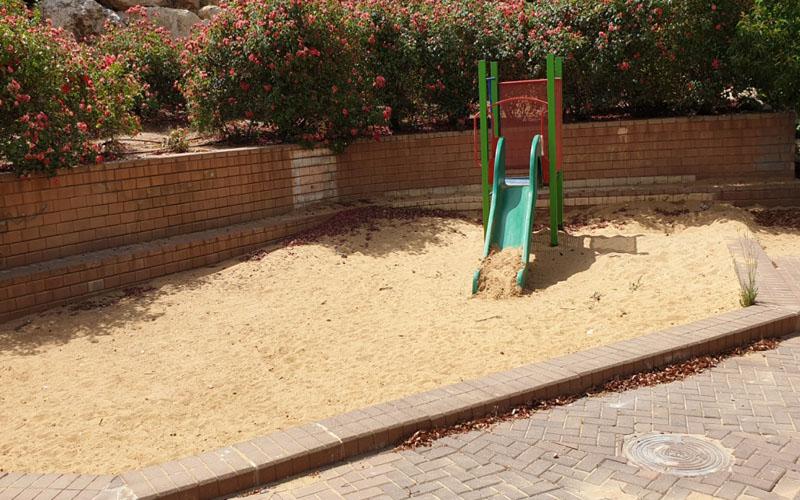 גן המשחקים ברחוב חיים תורן בפסגת זאב (צילום: פרטי)