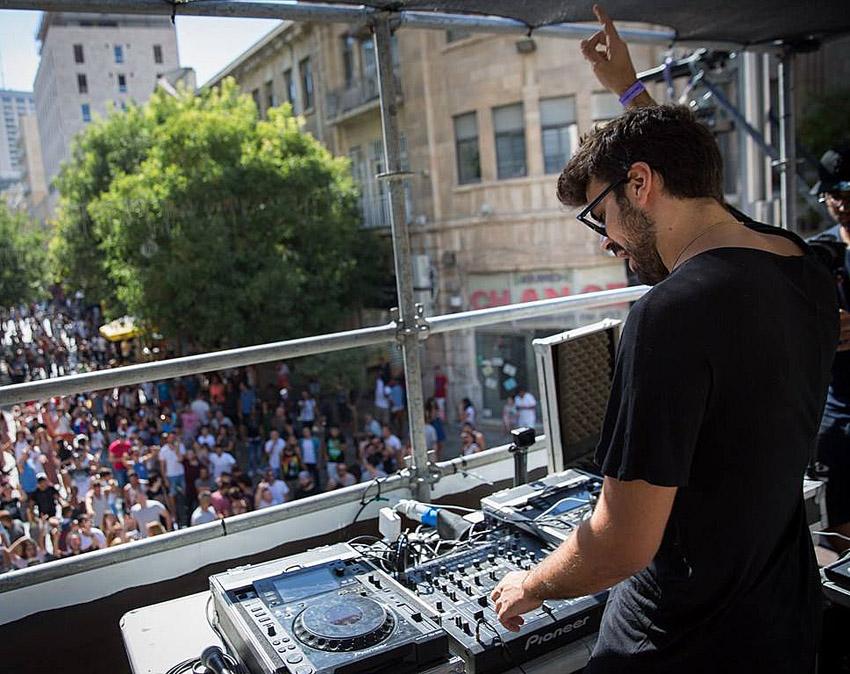 מסיבות הרחוב בירושלים בשנים שעברו (צילום: דף הפייסבוק של FRONT STAGE)