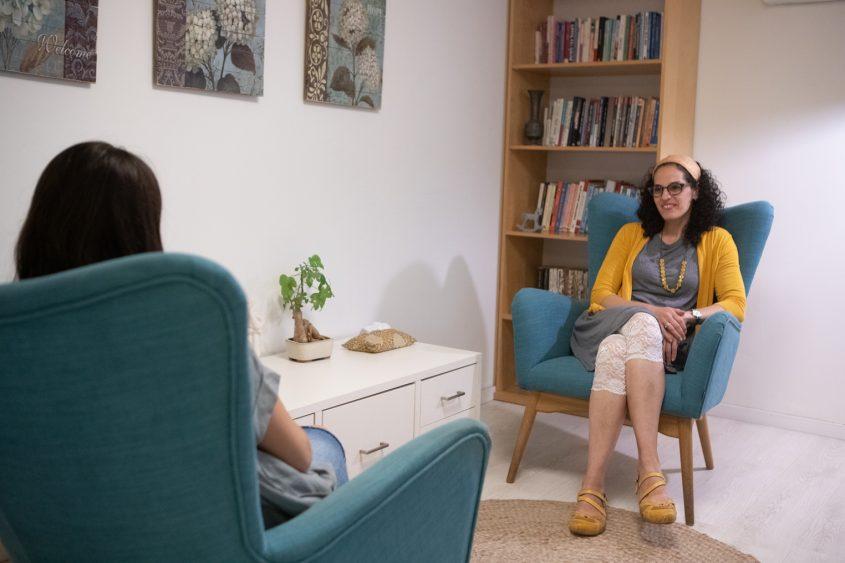 דפניאלה אציל - פסיכולוגית קלינית (צילום: יובל כהן אהרונוב)