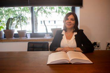 עורכת דין רחלי אייבס (צילום: יובל כהן אהרונוב)