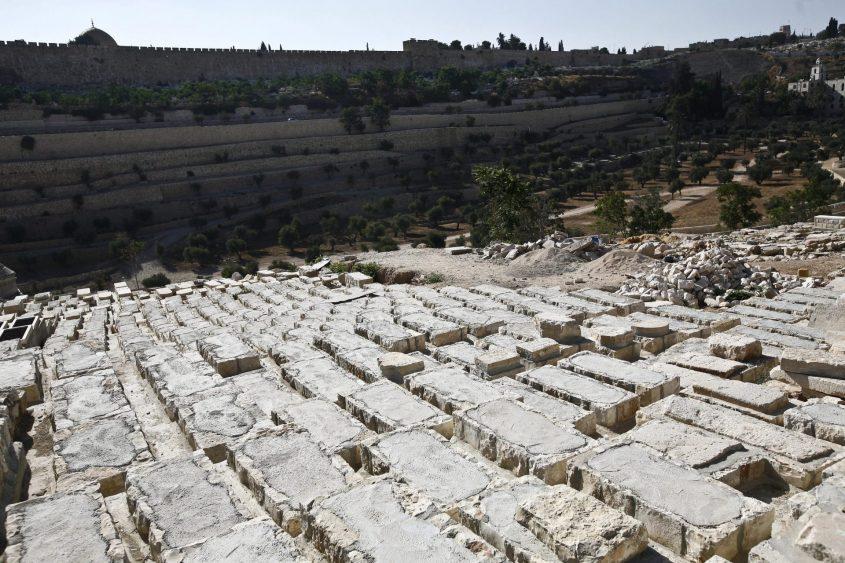 בית הקברות בהר הזיתים (צילום: תומר אפלבאום)