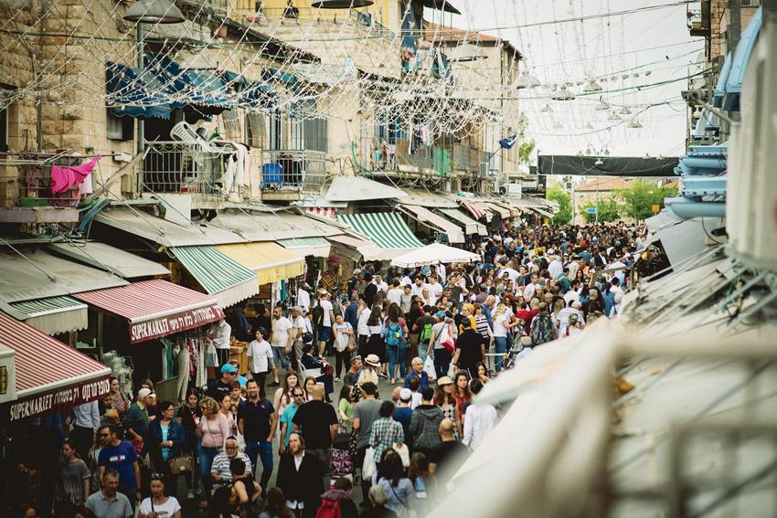 שוק מחנה יהודה, מתוך פסטיבל המחול 'מיפו עד אגריפס' (צילום: שירלי פוקס fooxaן)