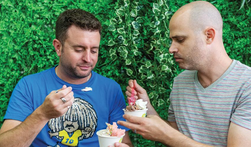 אהרל'ה, OMG וסלפי'ס: עמית ויהונתן בסיבוב מתוקים בשוק