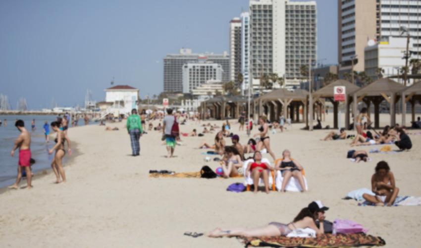 חוף הים פרישמן בתל אביב (צילום: מוטי מילרוד)