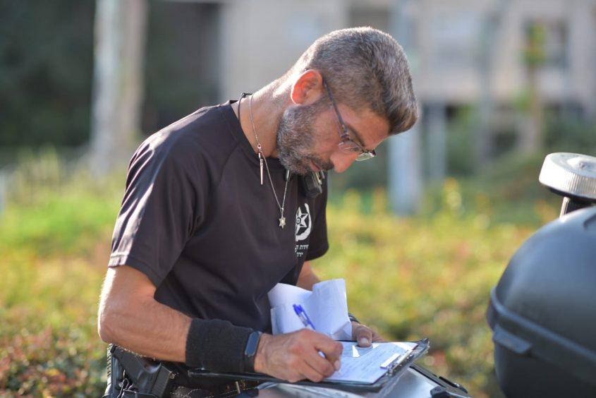 מבצע משטרתי לבדיקת רכבי הסעות - השבוע הראשון של שנת הלימודים (צילום: דוברות המשטרה)