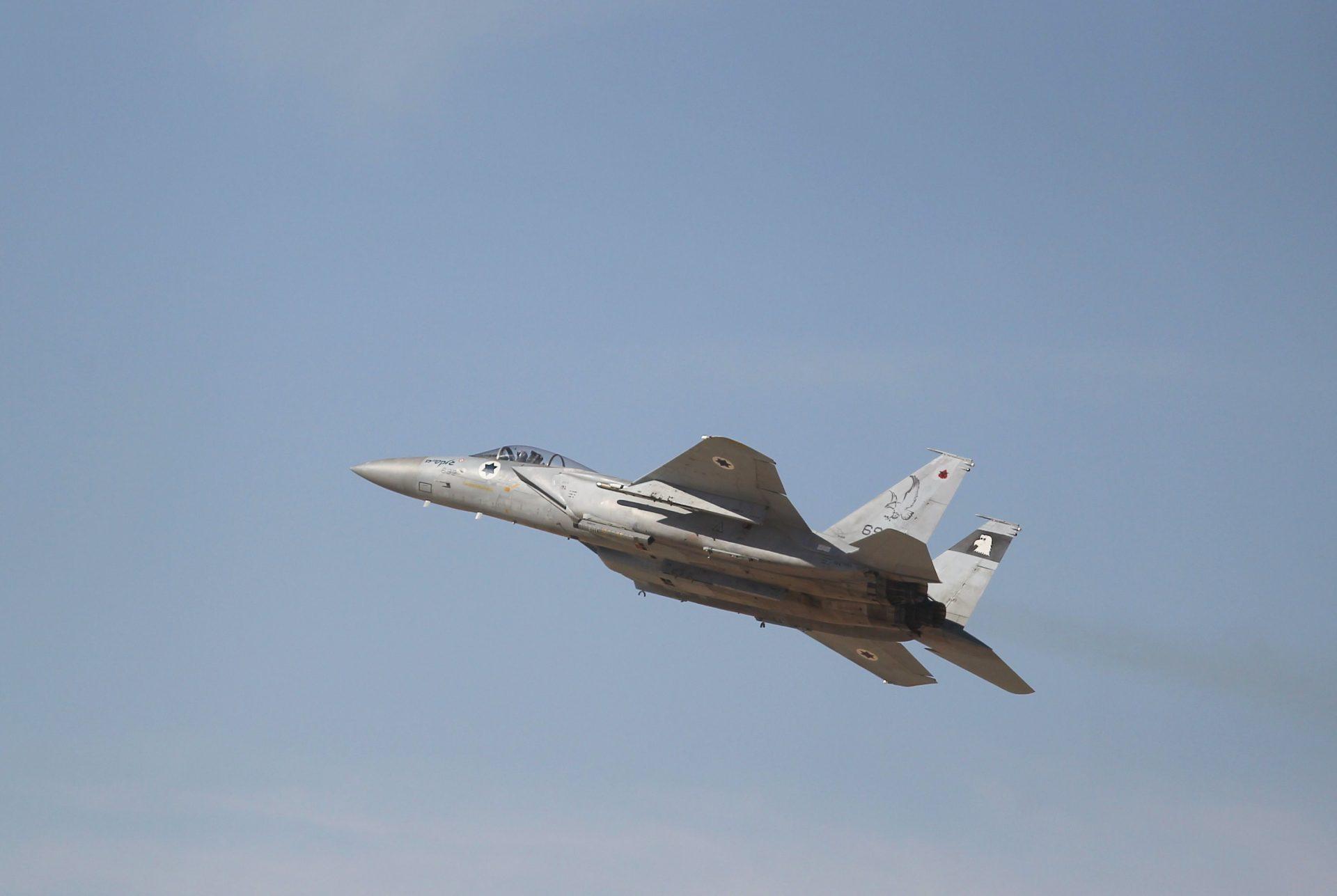 """מטוס קרב של צה""""ל במהלך תרגיל של חיל האוויר בעובדה (צילום: אילן אסייג)"""