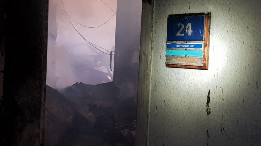 שריפה בבניין רשות השידור ברוממה (צילום: דוברות כבאות והצלה ירושלים)