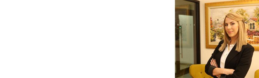 """עו""""ד ריול עדיקה (צילום: אבי נועם, איפור: מור עובדיה, עיצוב שיער: אדם דניאל)"""