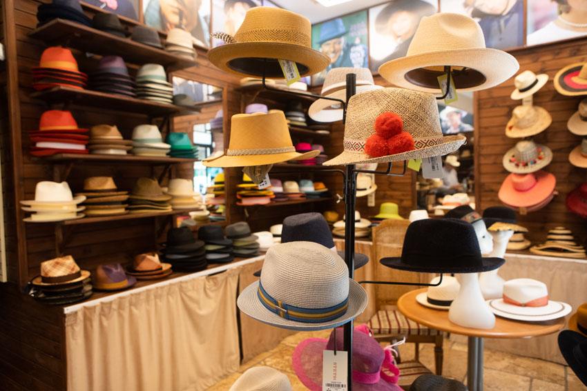 שרלוקס כובעים (צילום: יובל כהן אהרונוב)