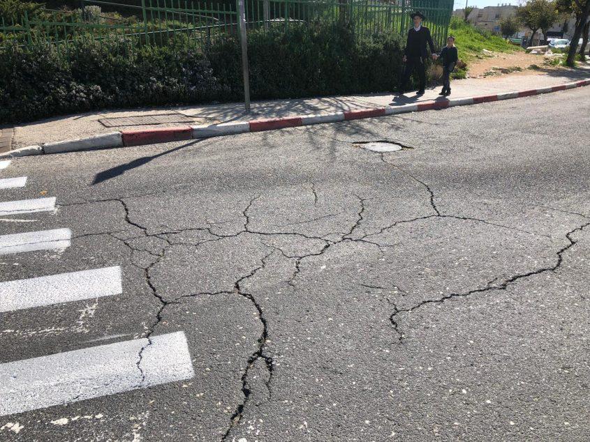 רחוב ברמות לפני השיפוץ (צילום: עיריית ירושלים)
