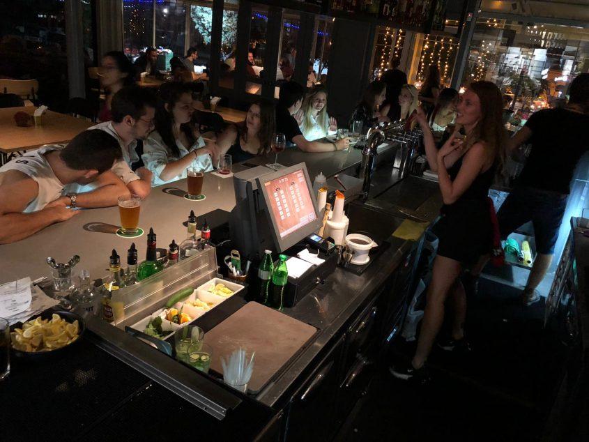 דז'ה בו, בר-מסעדה, ויש גם הופעות (צילום: דז'ה בו)