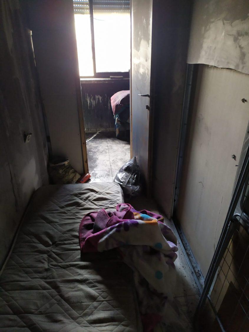 הדירה שנשרפה במדרחוב בן יהודה (צילום: פרטי)