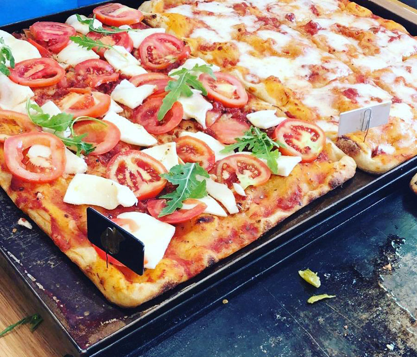 פיצה פרטג'יאנו (צילום: לידיה קלו)