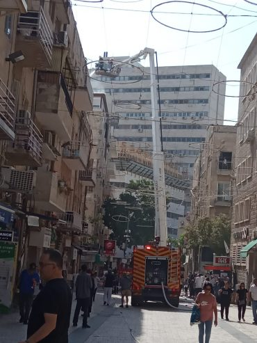 השריפה במרכז העיר (צילום: באדיבות כבאות והצלה ירושלים)