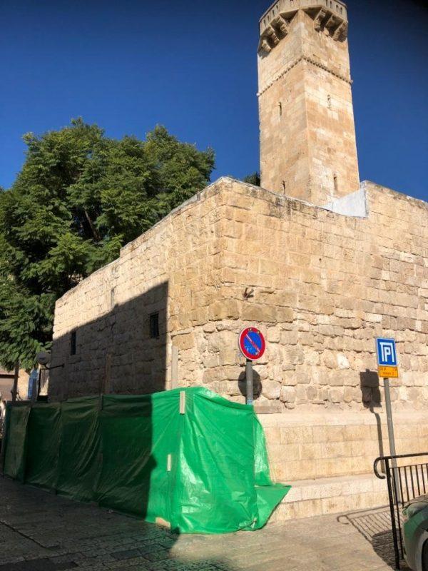 המסגד שמשופצץ ברובע היהודי (צילום: פרטי)
