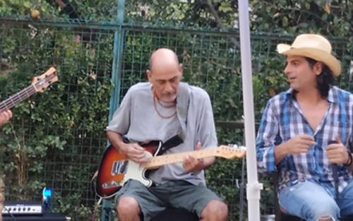 """ינקי בכר ז""""ל - במופע של להקת אטלנטיקה בבית הוועד בבית הכרם (צילום: הלל פרקש)"""