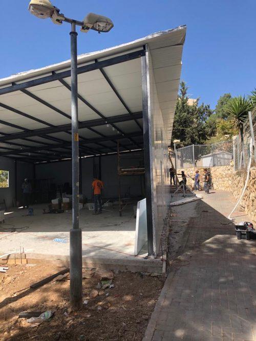 בית הכנסת שהוקם ללא אישורים במבנה נייד ברמות (צילום: פרטי)
