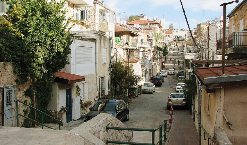 רחוב המדרגות נחלאות (צילום: מיכאל יעקובסון, מתוך ויקיפדיה)