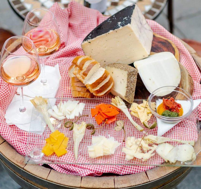 """פלטת גבינות, """"דו נואס"""" (צילום: בן רייזר)"""