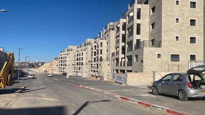 הבניינים החדשים במורדות גילה (צילום: פרטי)