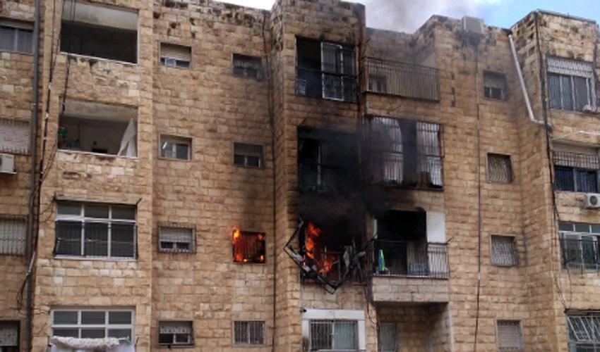 השריפה ברחוב סורוצקין (צילום: דוברות כבאות והצלה ירושלים)