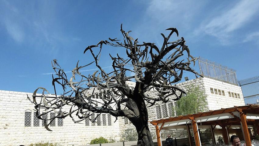 פסל הסיסים בעיר העתיקה (צילום: אמנון האן)