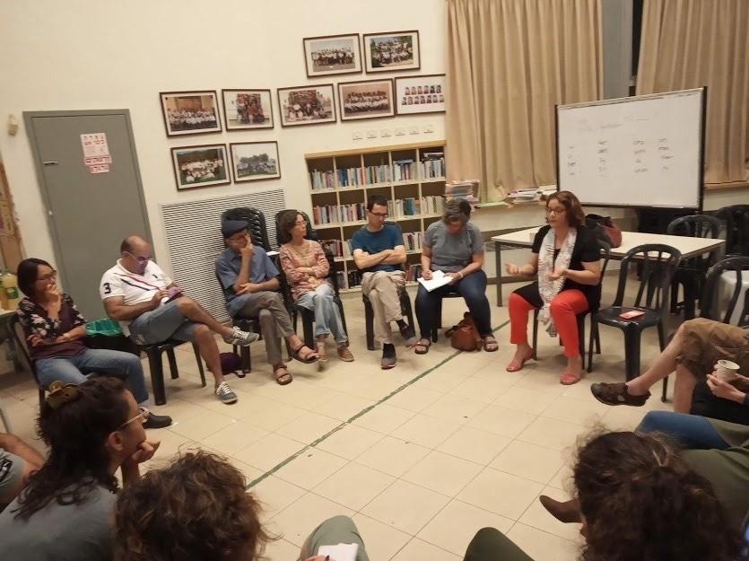 מפגש של קהילת יד ביד - קהילה ערבית-יהודית בירושלים (צילום: מאיה פרנקפורטר)