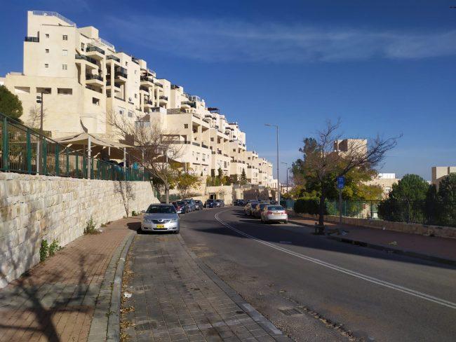 רחוב שאול אביגור בהר חומה (צילום: שלומי הלר)