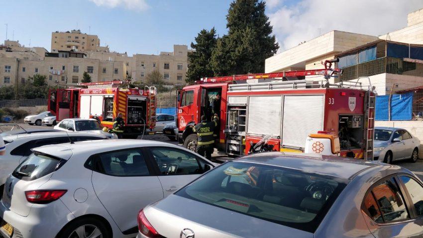 זירת השריפה בנוה יעקב (צילום: כבאות והצלה ירושלים)