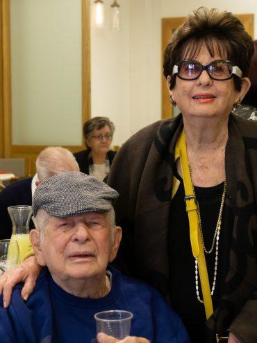 מנחם קריסטל ואחותו נעמי (צילום: איתמר בונפיל)