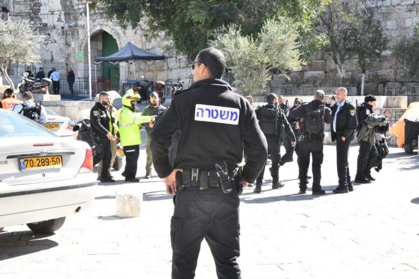זירת פיגוע הירי - אתמול סמוך להר הבית (צילום: דוברות המשטרה)