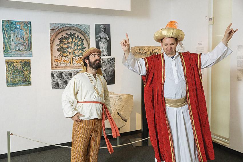 סיפורי ג'וחא במוזיאון לאמנות האסלאם (צילום: נועם פיינר)