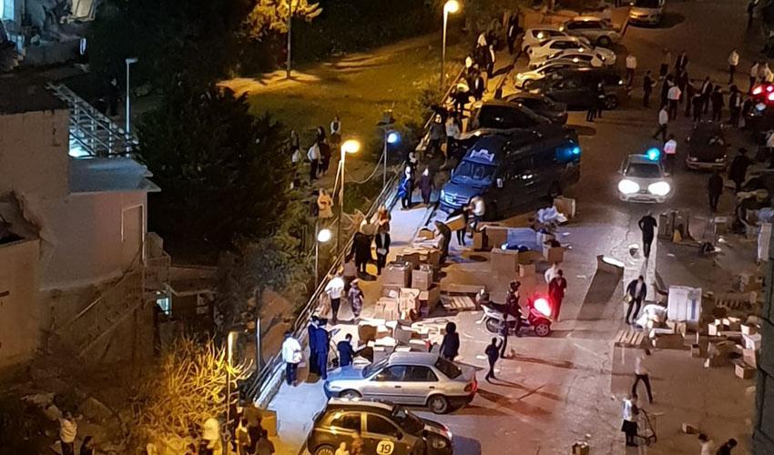 """התכנסות בשכונת רמות בניגוד הלנחיות משרד הבריאות (צילום: """"מחאות החרדים הקיצונים"""")"""