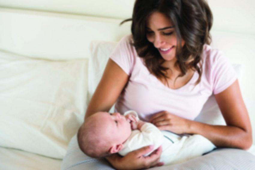 אמא ותינוק (אילוסטרציה: א.ס.א.פ. קריאייטיב INGIMAGE)