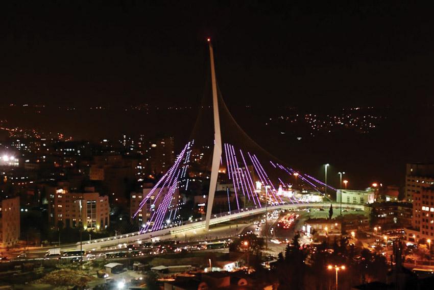 גשר המיתרים בלילה (צילום: אלטרנטיבה 1)