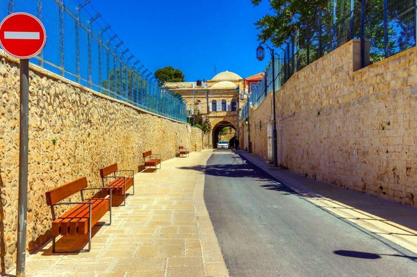 רחוב הפטריארכיה הארמנית המחודש (צילום: ששון תירם)