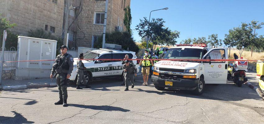 זירת ניסיון פיגוע הדקירה בארמון הנציב (צילום: דוברות המשטרה)
