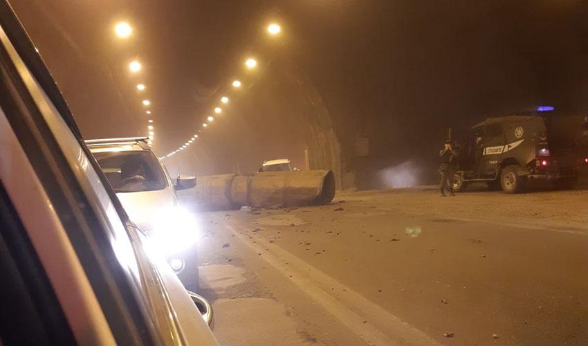 כביש המנהרות, לפני זמן קצר (צילום: אופיר סיטון)