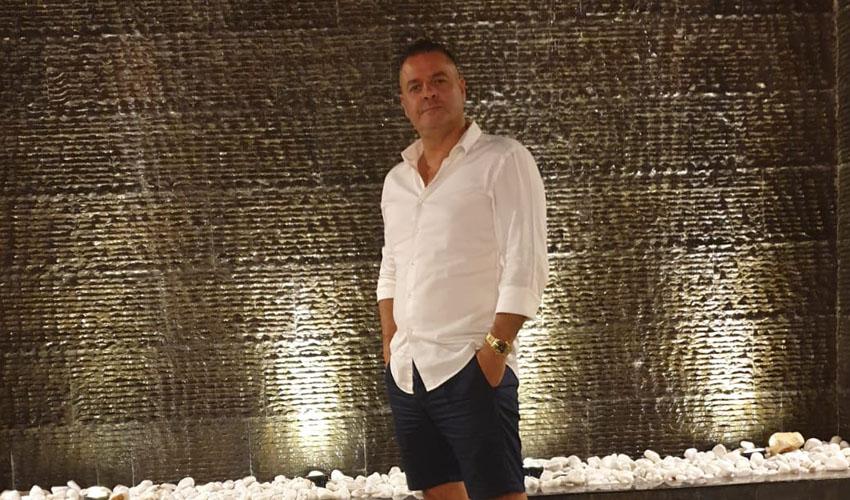 """אבי דואניס, בעלי אולם אירועים """"הדריה"""" (צילום: סטודיו קליפ)"""