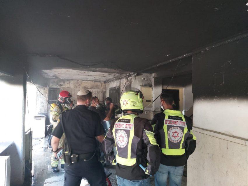 """השריפה הבוקר בקטמונים (צילום: תיעוד מבצעי מד""""א)"""